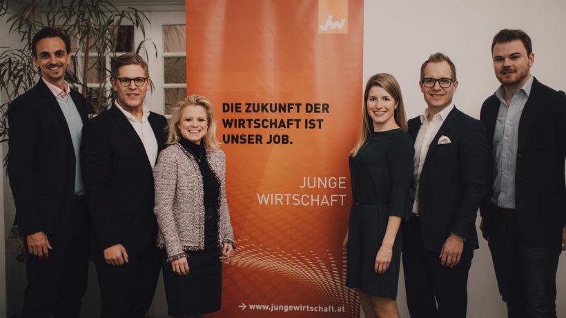 Der neue Vorstand der Jungen Wirtschaft Wien rund um die Vorsitzende Barbara Havel © Adrian Almasan