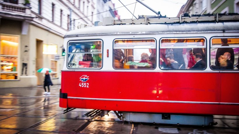 Mehr Öffi, weniger Auto - vielleicht werden Wiener dafür bald belohnt © Pixabay