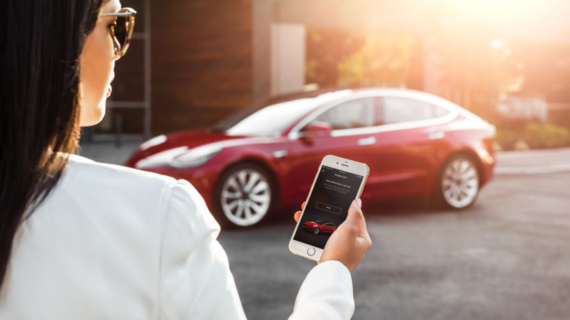 Model 3 mit App. © Tesla