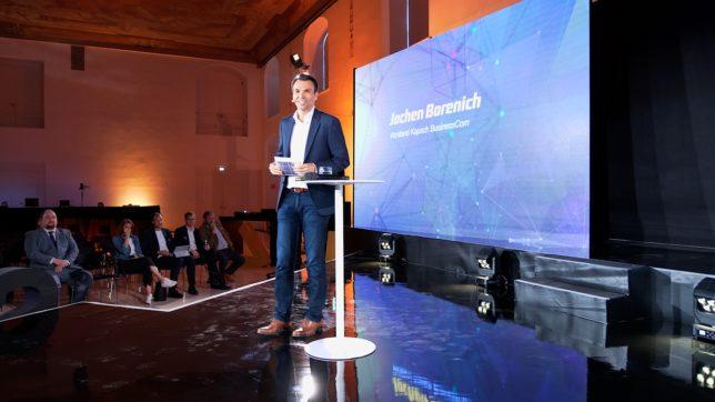 Jochen Borenich, Vorstand der Kapsch BusinessCom, eröffnet den Security Day 2019 © Trending Topics