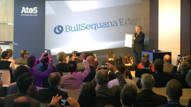 "Atos-CEO Thierry Breton präsentiert den neuen Edge-Server ""BullSequana Edge"" in Paris vor. © Atos"