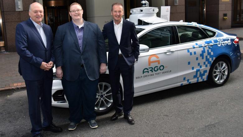 Die Vorstandsvorsitzenden Dr. Herbert Diess (Volkswagen Aktiengesellschaft) und Jim Hackett (Ford) mit Argo AI-CEO Bryan Salesky. © Volkswagen AG