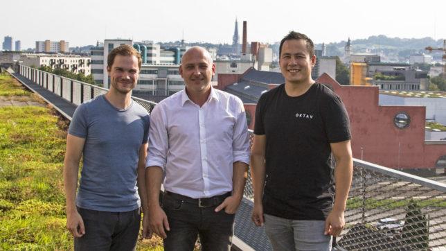 Oktav-Founder David Kitzmüller und Toni Luong mit ihrem Investor Oliver Sonnleithner (Mitte) © Oktav