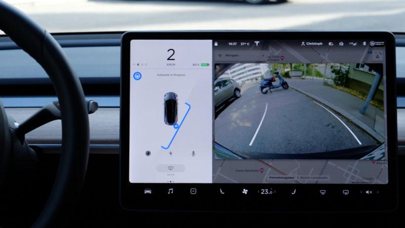 Automatisches Einparken mit dem Model 3. © Trending Topics