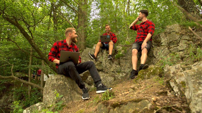 Die Renjer-Jungs im Wald. © Renjer