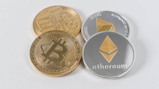 Bitcoin & Ethereum. © Photo by Austin Distel on Unsplash