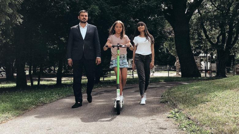 Dmitri Gucik mit Familie. © KiwiRide
