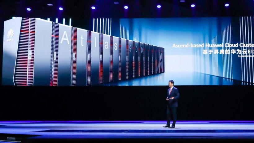 """Ken Hu stellt auf der Huawei Connect den """"Atlas 900"""" vor © Huawei"""