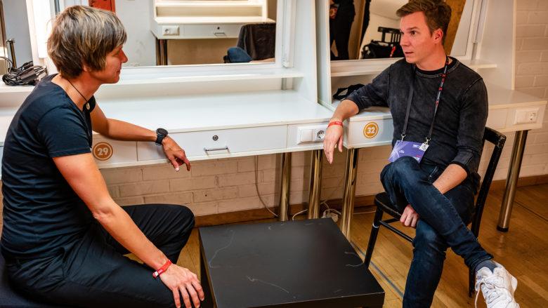 Katrin Schuhen, CEO von Wasser 3.0, im Gespräch mit Jakob Steinschaden von Trending Topics. © Gavin Gough / TEDxVienna