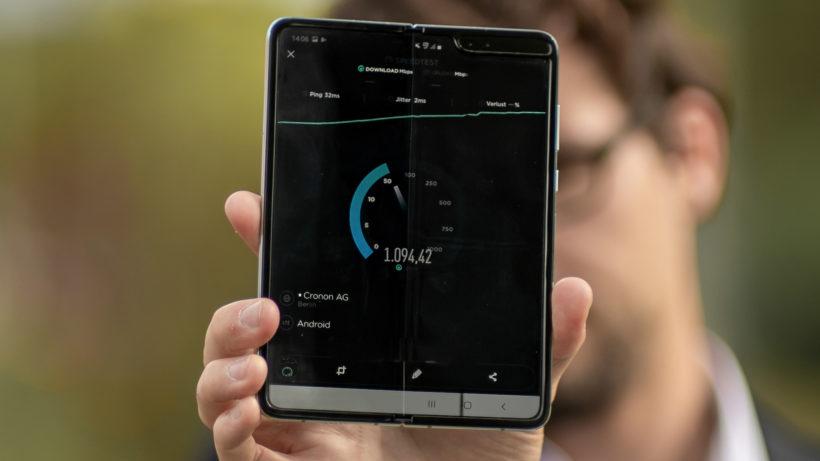 Samsung Galaxy Fold ist eines der ersten 5G-smartphones. © Photo by Mika Baumeister on Unsplash