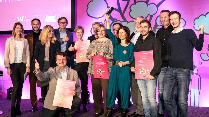 Sieger auf der Bühne des TUN-Award. © Magenta Telekom/Katharina Stögmüller