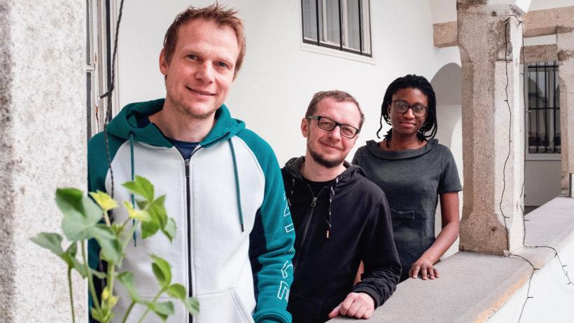 Helmut Juskewycz (Gründer & CEO), Markus Merzinger (Gründer & Entwickler), Aissatou A. Fall (Entwickler). © LingoHub