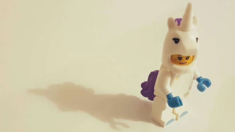 Einhorn aus Lego. © Photo by Inês Pimentel on Unsplash