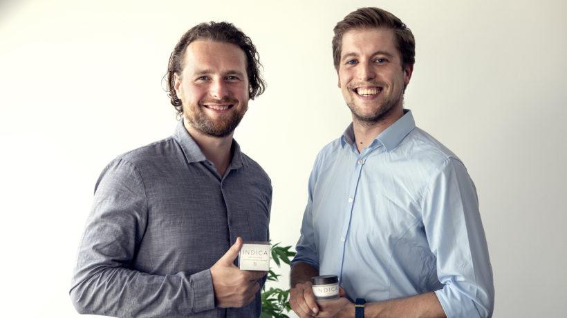 Christoph Richter (li.) und Alexander Lacina mit ihrer Cannabis-Gesichtscreme © Indica Skincare