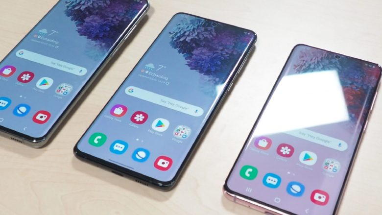 Das Samsung Galaxy S20 Ultra neben dem S20 Plus und dem Galaxy S20. © Trending Topics / Oliver Janko