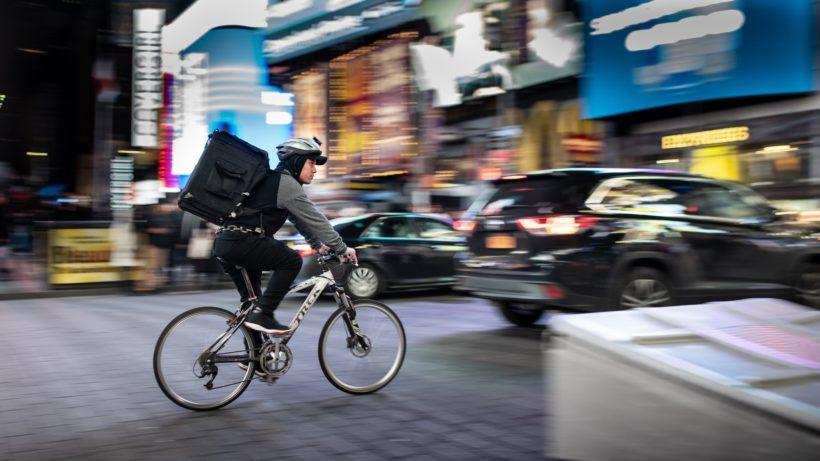 Lieferdienst per Fahrrad. © Brett Jordan on Unsplash