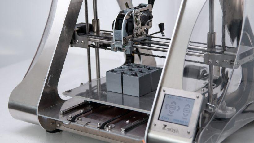 Ersatzteile aus dem 3D-Drucker - der Coronavirus schweißt zusammen. © ZMorph Multitool 3D Printer on Unsplash