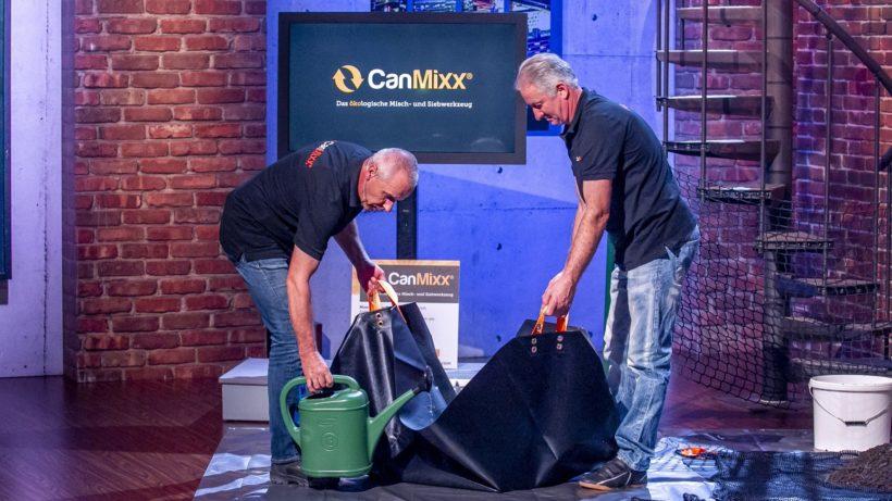 Jürgen Grandits und Wolfgang Hierzer bei ihrem Pitch. © Puls4/Gerry Frank