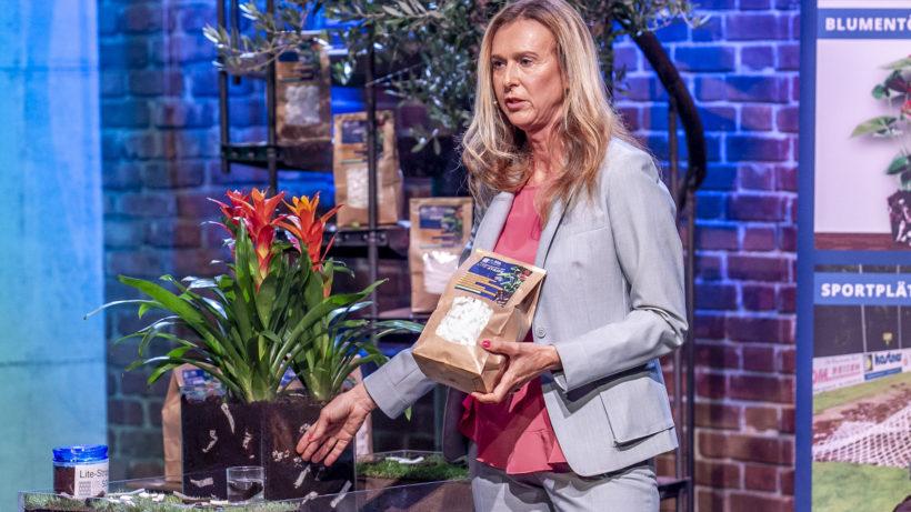 """Dorothea Sulzbacher stellt Lite-Soil bei """"2 Minuten 2 Millionen"""" vor © Gerry Frank/Puls 4"""