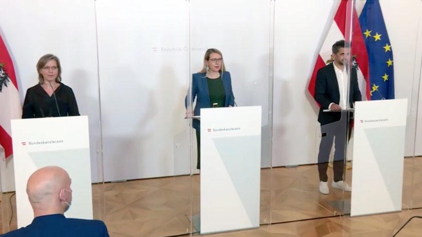 Wirtschaftsministerin Margarete Schramböck (ÖVP), Klimaschutz- und Innovationsministerin Leonore Gewessler (Grüne) und Business Angel Michael Altrichter. © BKA