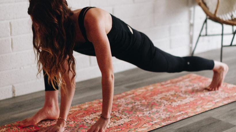 Yoga zu Hause. © Photo by Zen Bear Yoga on Unsplash