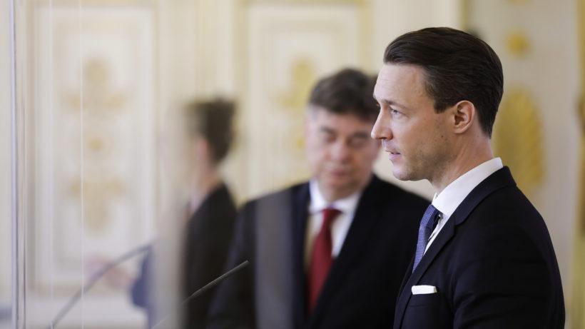 Finanzminister Blümel und Vizekanzler Werner Kogler bei Pressekonferenz. ©BMF/Wenzel