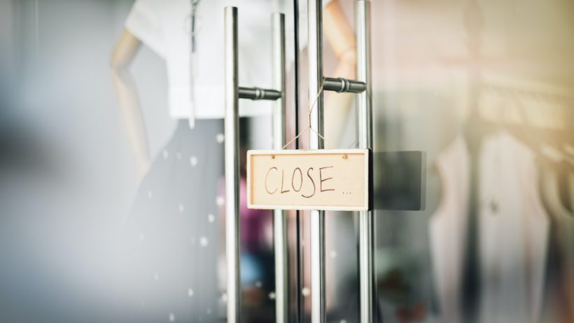 Closed. © Photo by lucas law on Unsplash