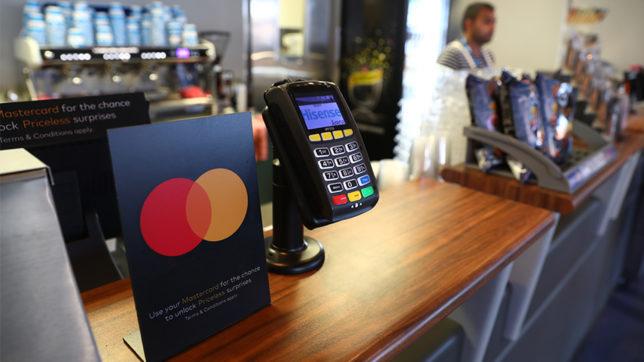 Geschäft akzeptiert Mastercard-Zahlungen. © Mastercard