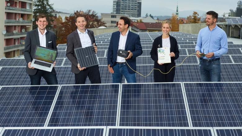 Das Team von WIR Energie am Dach. © WIR Energie