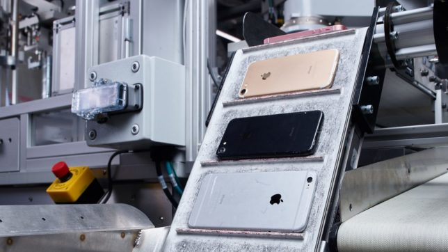 APPLES DAISY ZERLEGT 200 IPHONES PRO STUNDE © APPLE