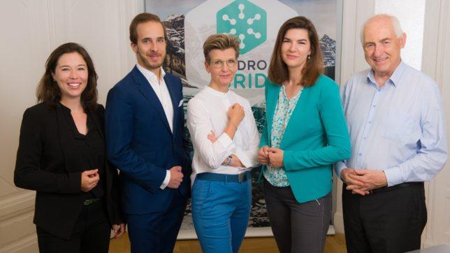 Das Managementteam von Hydrogrid mit zwei Investoren (v.l.n.r. Annette Mossel, Andreas M. Lichtl, Sabine Fleischmann, Janice Goodenough, Gerhard Arminger). © Hydrogrid