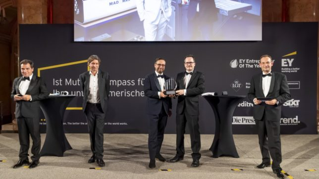 "(v.l.n.r.) Rainer Nowak, Chefredakteur ""Die Presse"", Andreas Lampl, Chefredakteur ""Trend"", Sascha Dennstedt und Christian Harwanegg von MacroArray Diagnostics, EY Entrepreneur Of The Year 2020 in der Kategorie Start-ups, Erich Lehner, Program Partner EY Entrepreneur Of The Year Österreich. © Point of View"