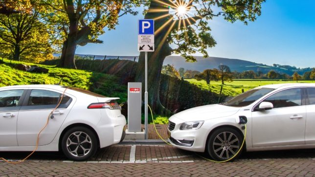Elektroautos befinden sich in Europa auf dem Vormarsch. © Bild von (Joenomias) Menno de Jong / Pixabay