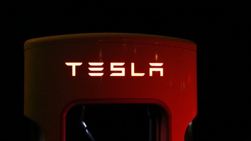 © Tesla