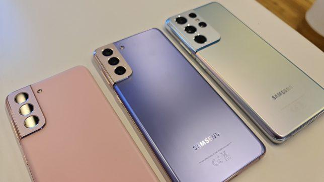 Nur anhand der Größe und der Kameras zu unterscheiden: Die Galaxy S21-Serie von Samsung. © Trending Topics / Oliver Janko