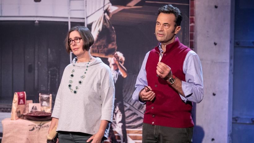 Brigantes-Gründer Katharina Schaller und Daniel Kravina wollen Kaffee mit Segelschiffen transportieren. © PULS 4 / Gerry Frank