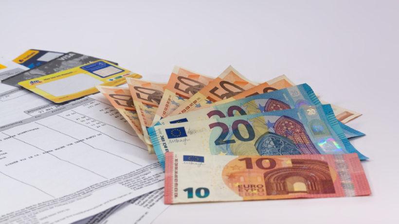 Rechnung: Viele verzweifeln an Fixkosten © stux / Pixabay