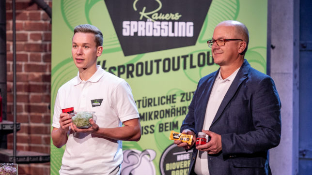 Sebastian Rauer und sein Vater Fritz wollen mit Sprossen-Snacks überzeugen. © PULS 4 / Gerry Frank