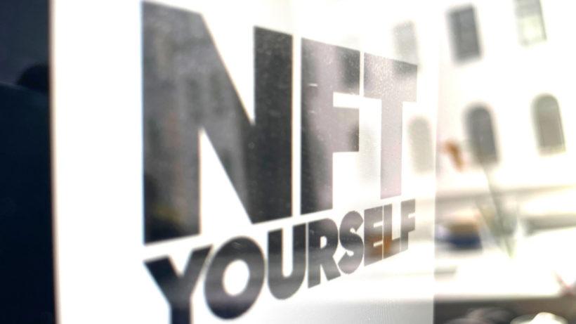"""""""NFT Yourself"""". © Trending Topics"""
