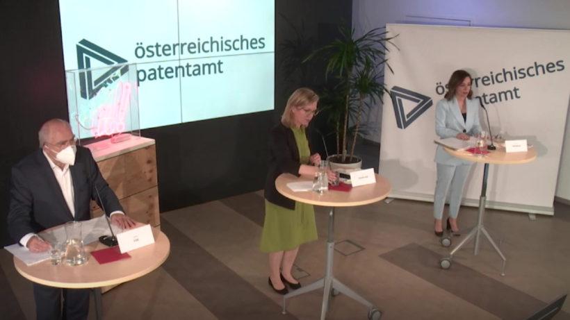 Bundesministerin Leonore Gewessler und Patentamtspräsidentin Mariana Karepova präsentierten den Jahresbericht des Patentamtes. © Österreichisches Patentamt
