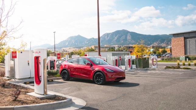 """""""Supercharger""""-Ladestationen © Tesla"""