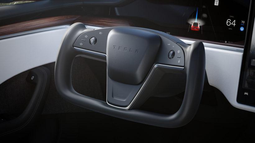 """Yoke""-Lenkrad bei Tesla Model S Plaid © Tesla"