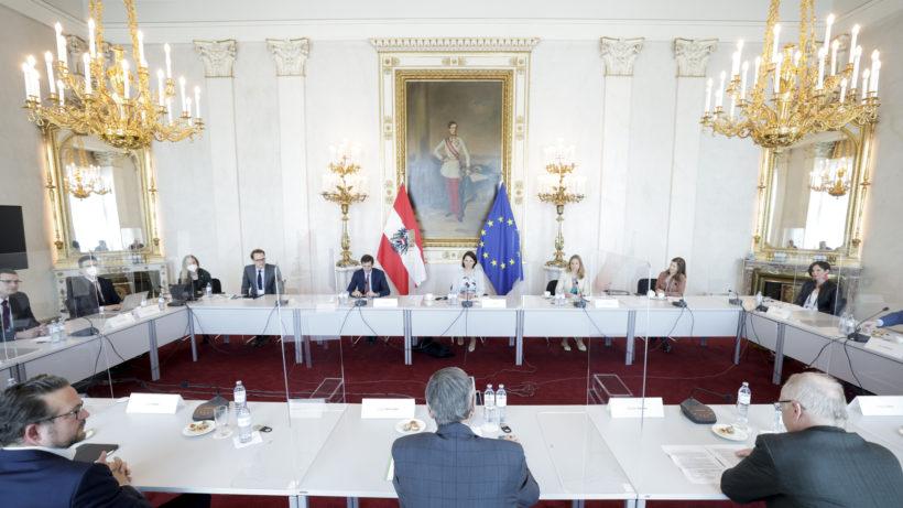 Digitalisierung und Cyber Security in Österreich als Diskussionsthema © BKA