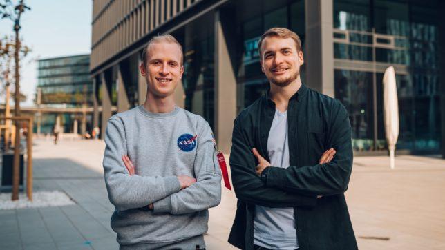 Max Stoiber und Tim Suchanek haben GraphCDN gegründet. © Niklas Schaubelt