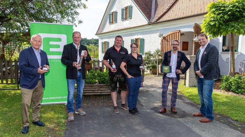 Christian Purrer (Energie Steiermark), Franz Habel (Vulcano), Rene Gruber und Beatrix Lechner (Gruber's Fruchtzauberei) und Gerhard Günther mit Hannes Harborth (AbHof). © Energie Steiermark