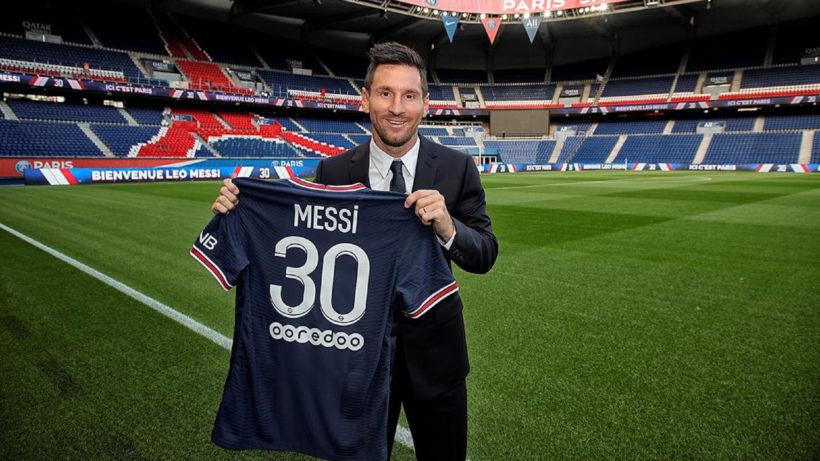 Lionel Messi mit seinem PSG-Dress © C. Gavelle / PSG