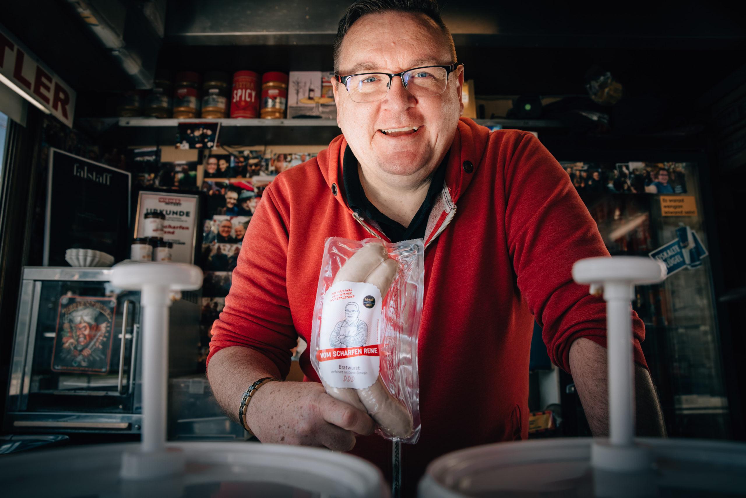 Würstelstandler Rene Kachlir. © Rene Kachlir