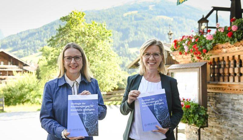 Digitalisierungsministerin Margarete Schramböck (ÖVP) und Klimaschutzministerin Leonore Gewessler (Grüne). © BMDW
