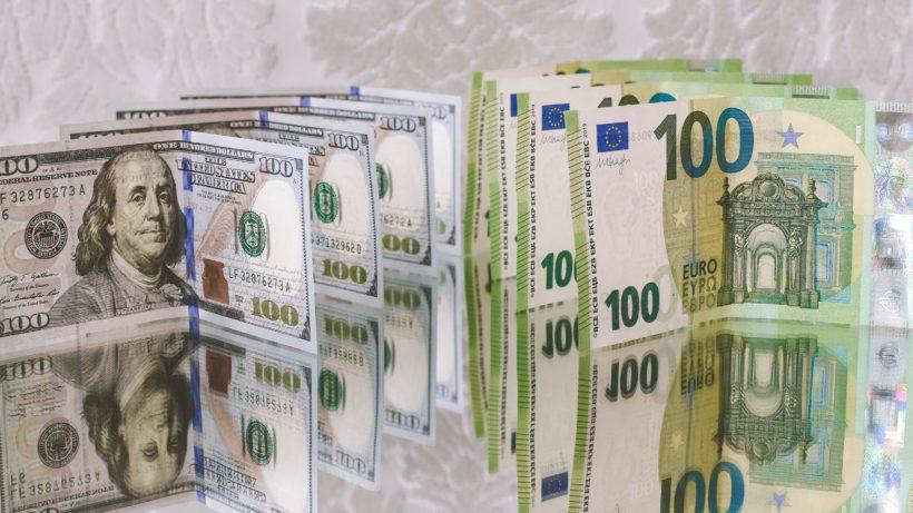 Dollar vs. Euro. © Ibrahim Boran on Unsplash