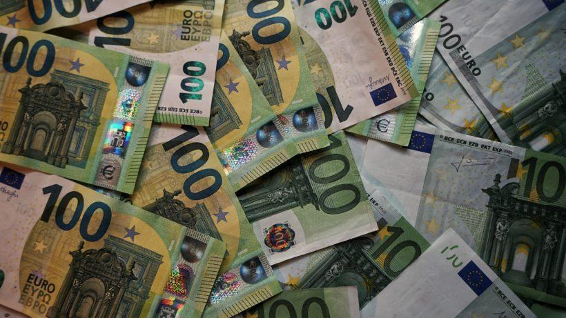 Euro. © Robert Anasch on Unsplash
